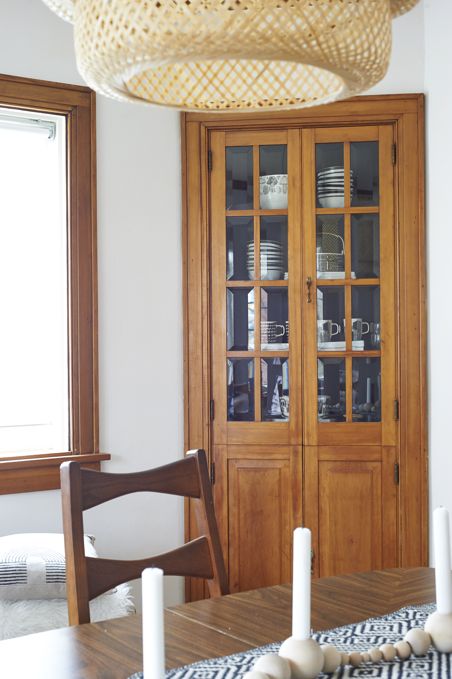 There Are Lovely Built Ins With Beveled Glass Doors Housed In Two Corners  Of The Room On The Exterior Wall. The Inside Was Painted A 90s Cranberry  Shade ...