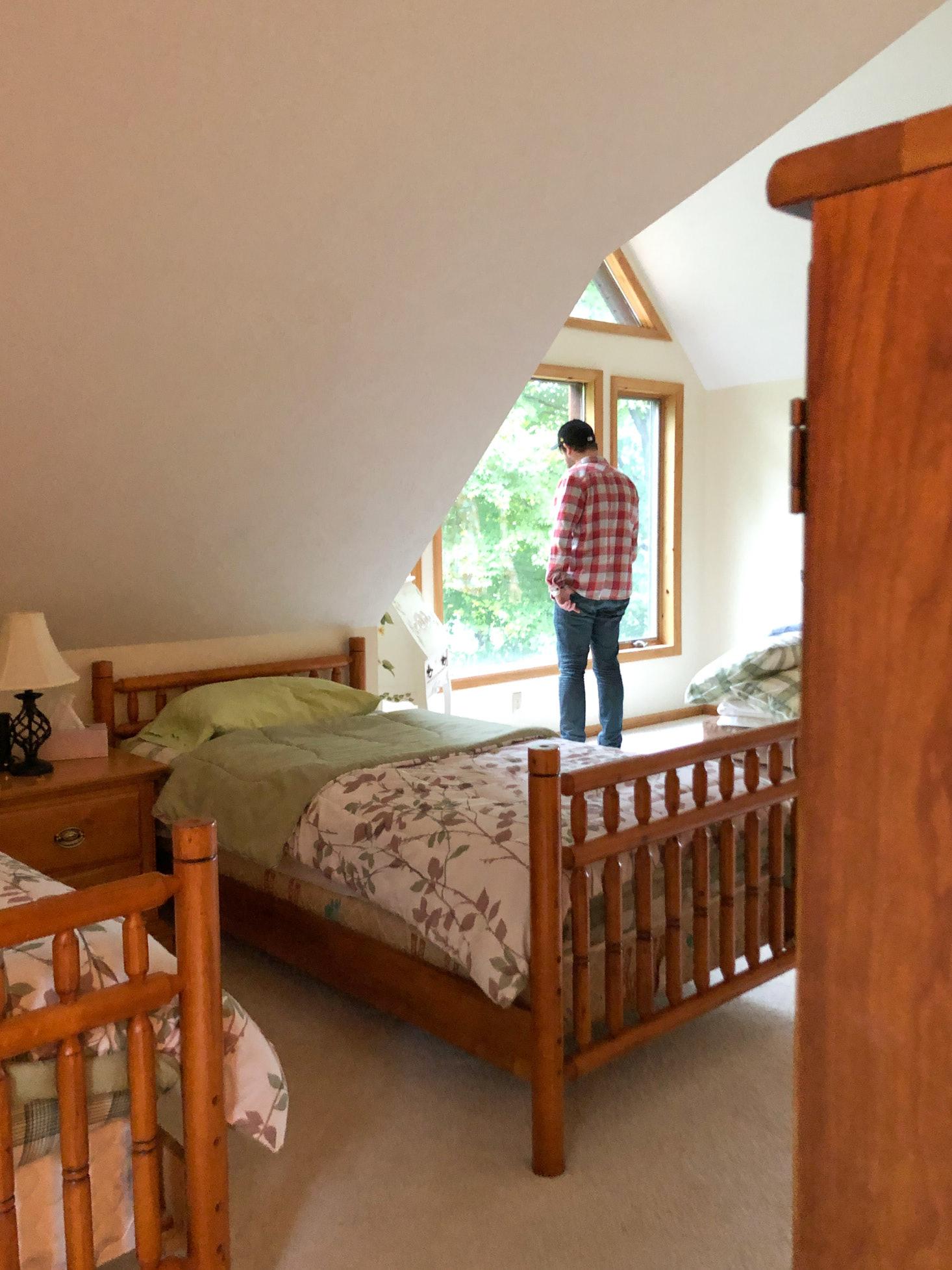Twin beds in cabin loft