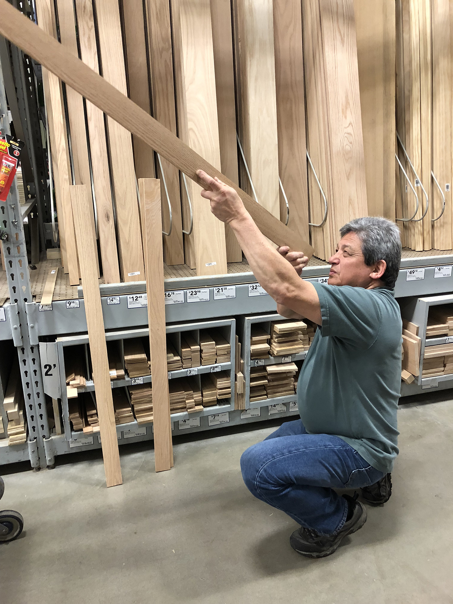 How to pick straight wood planks