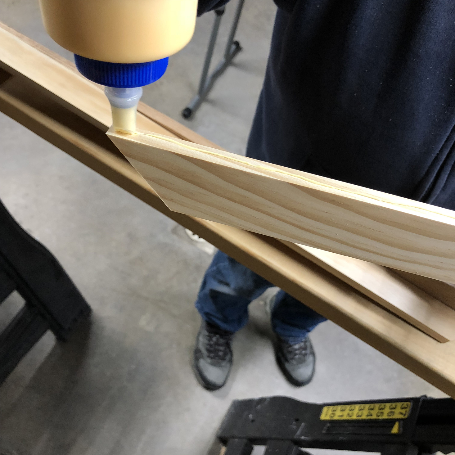 Gluing back pieces of float frame