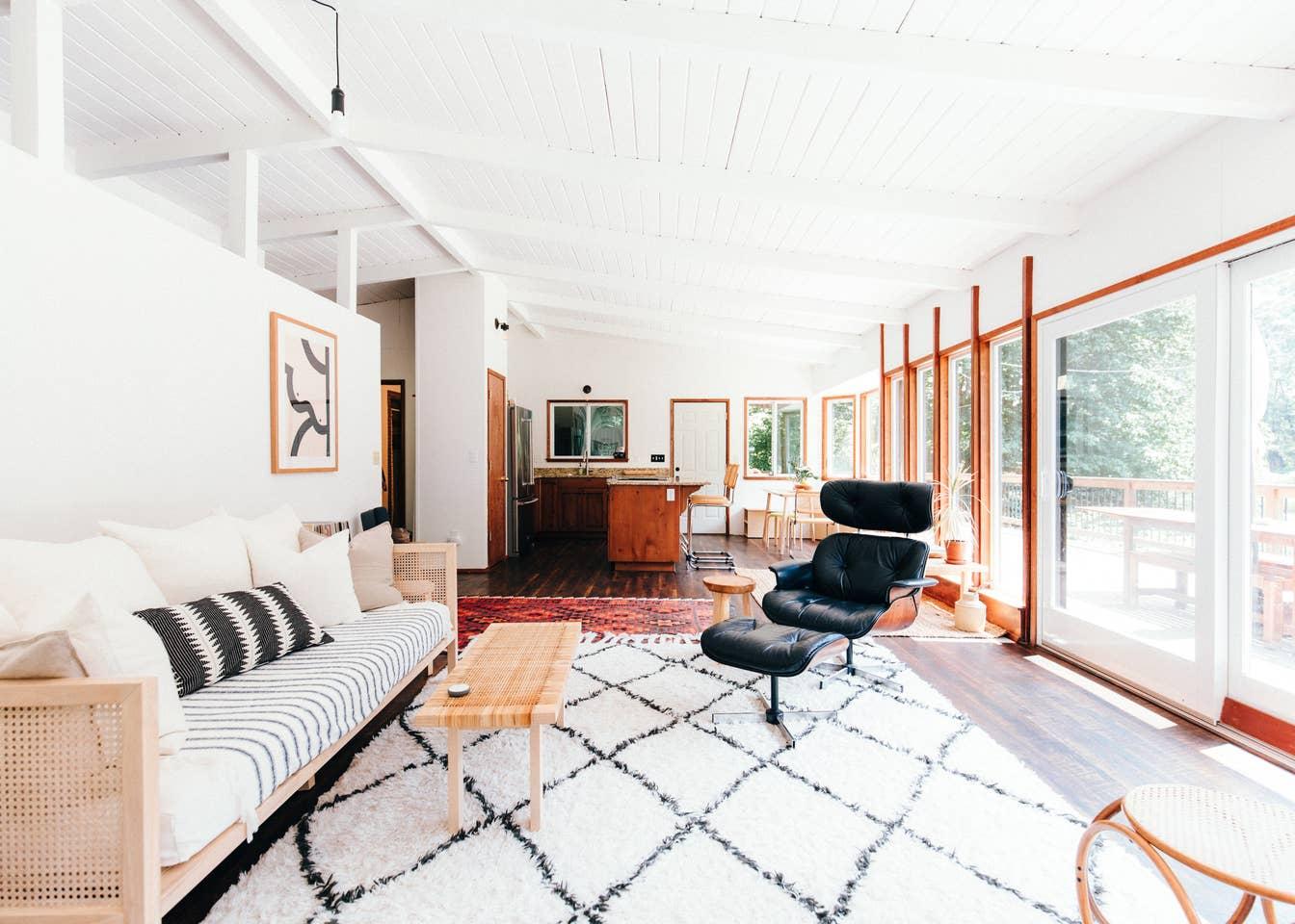 MidCentury Cabin Livingroom